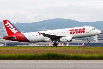 PR-MBY - TAM Airbus A320