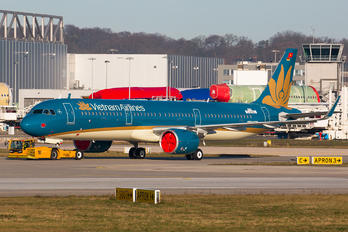 D-AYAC - Vietnam Airlines Airbus A321 NEO