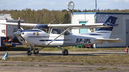SP-IPL - Private Cessna 182 Skylane (all models except RG)