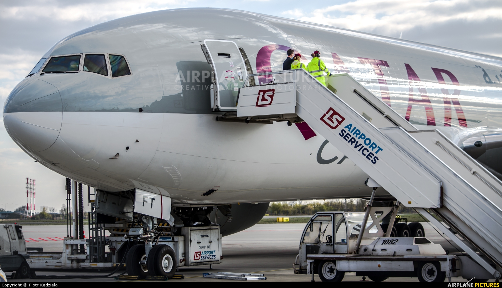 Qatar Airways Cargo A7-BFT aircraft at Warsaw - Frederic Chopin