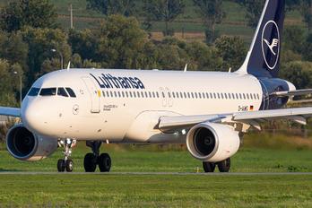 D-AIWG - Lufthansa Airbus A320