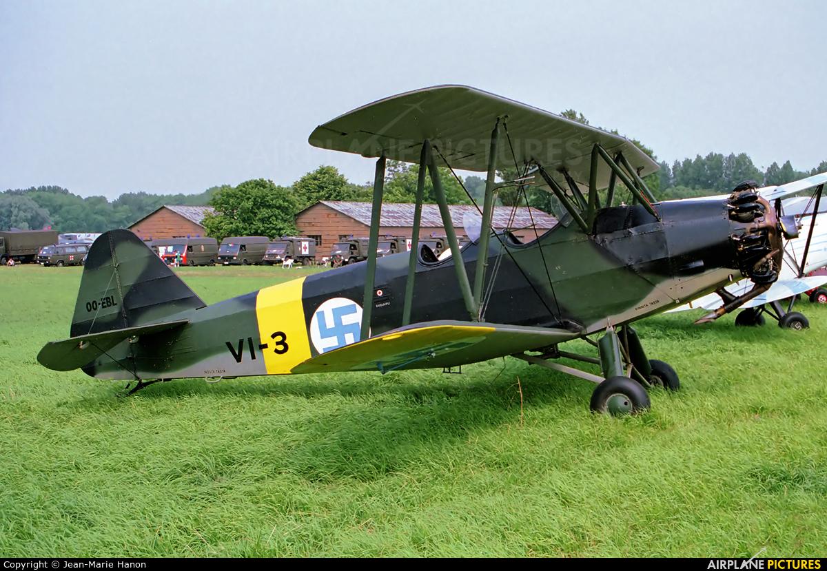 Private OO-EBL aircraft at Koksijde