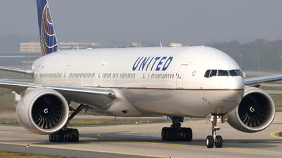 N2534U - United Airlines Boeing 777-300ER