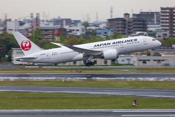 JA832J - JAL - Japan Airlines Boeing 787-8 Dreamliner
