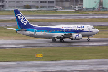 JA306K - ANA Wings Boeing 737-500