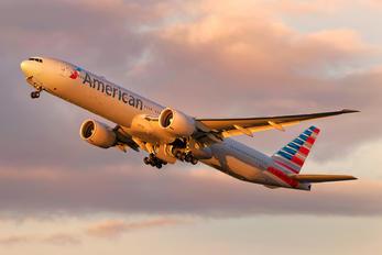 N736AT - American Airlines Boeing 777-300ER