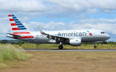 N9012 - American Airlines Airbus A319