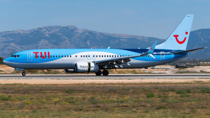 G-TAWN - TUI Airways Boeing 737-800