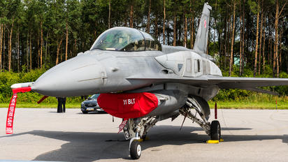 4081 - Poland - Air Force Lockheed Martin F-16D block 52+Jastrząb