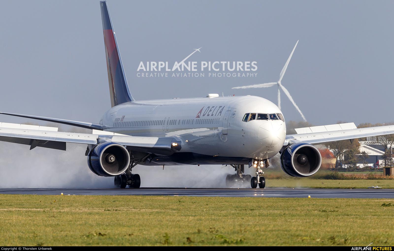 Delta Air Lines N188DN aircraft at Amsterdam - Schiphol