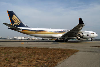 9V-SGB - Singapore Airlines Airbus A340-500