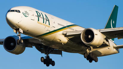 AP-BGL - PIA - Pakistan International Airlines Boeing 777-200ER