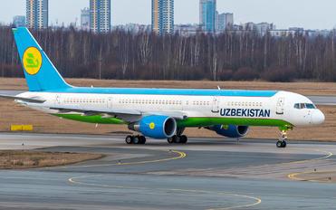 UK75704 - Uzbekistan Airways Boeing 757-200