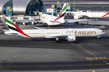 A6-ECH - Emirates Airlines Boeing 777-300ER
