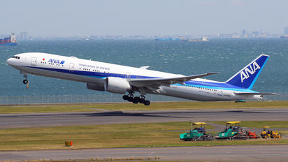 JA798A - ANA - All Nippon Airways Boeing 777-300ER