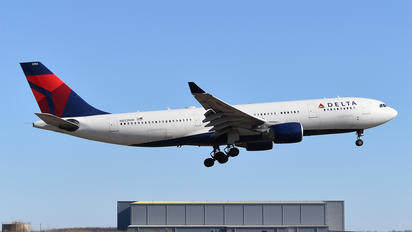 N852NW - Delta Air Lines Airbus A330-200