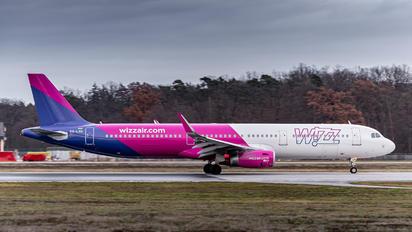 HA-LXH - Wizz Air Airbus A321
