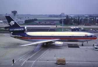 XA-RIY - Aeromexico McDonnell Douglas DC-10
