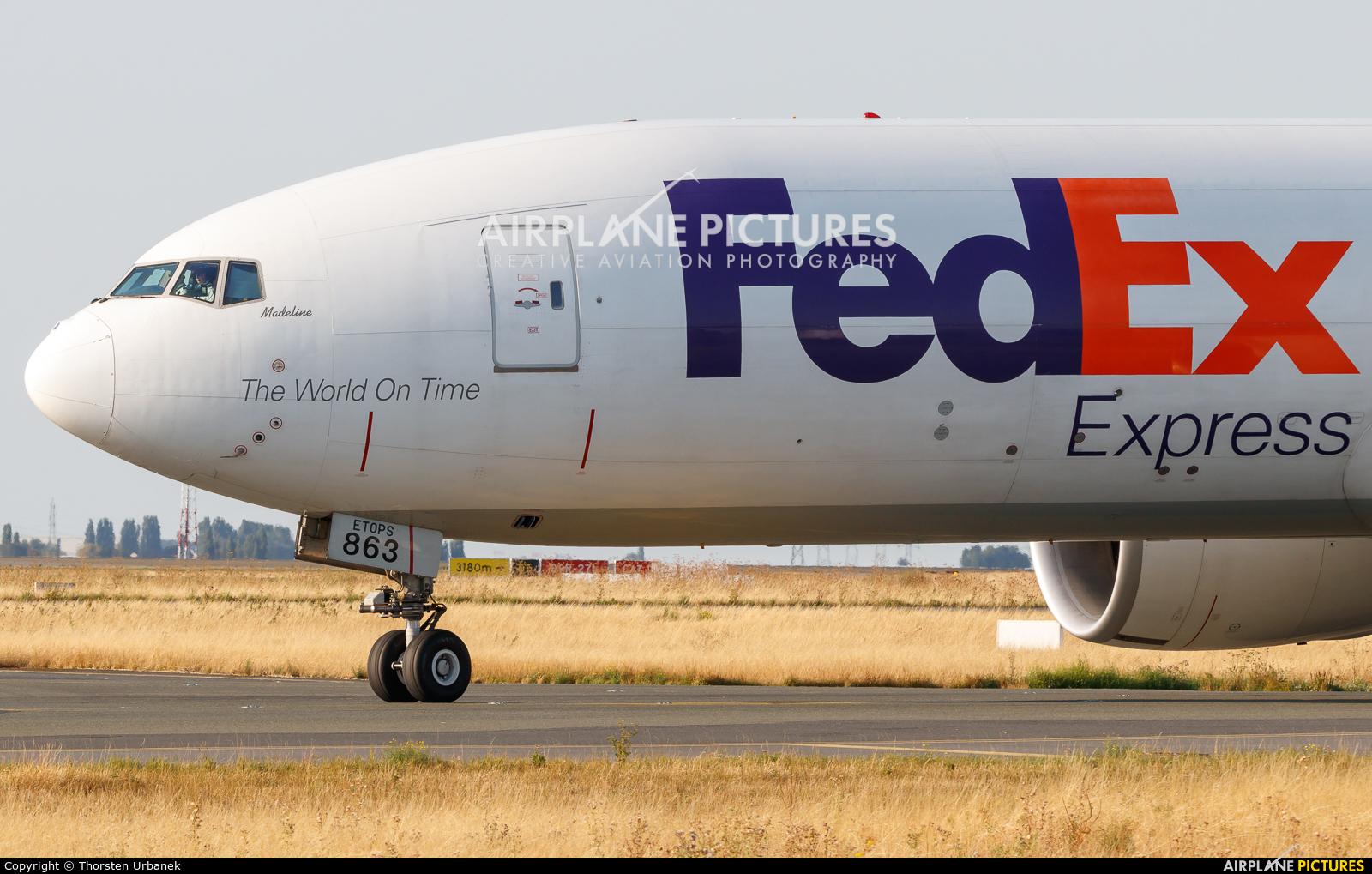 FedEx Federal Express N863FD aircraft at Paris - Charles de Gaulle