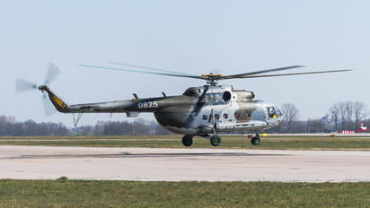 0825 - Czech - Air Force Mil Mi-17