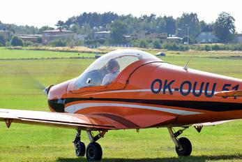 OK-OUU 51 - Private Skyleader 400