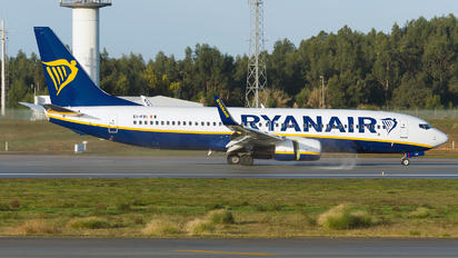 EI-FRI - Ryanair Boeing 737-800