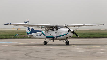 LY-BAK - Private Cessna 172 Skyhawk (all models except RG)