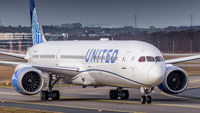 N14011 - United Airlines Boeing 787-10 Dreamliner