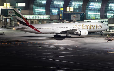 A6-ECP - Emirates Airlines Boeing 777-300ER