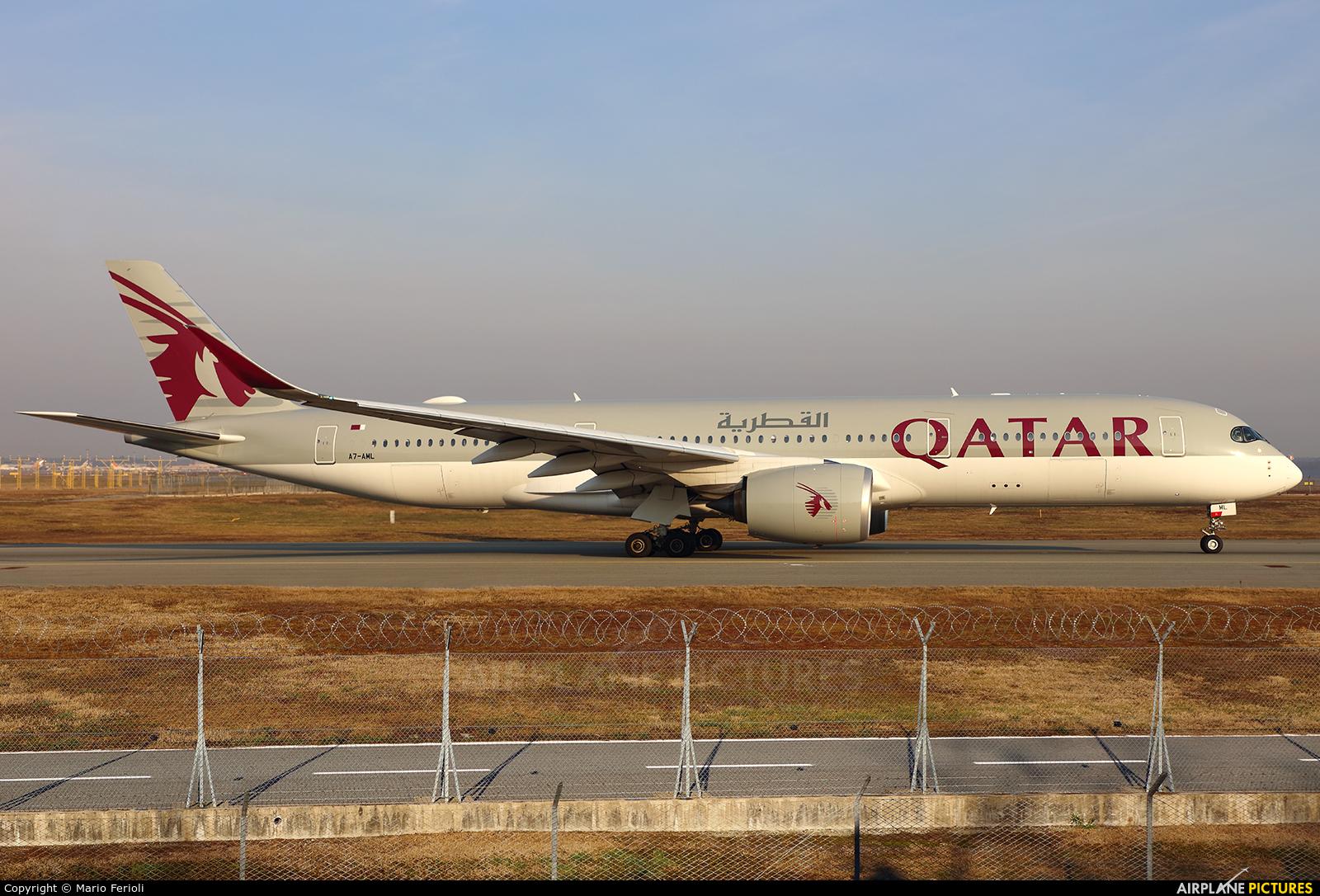 Qatar Airways A7-AML aircraft at Milan - Malpensa