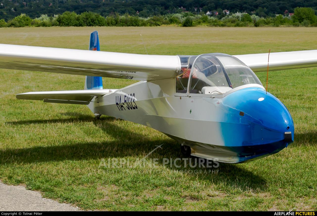 Private HA-5023 aircraft at Farkashegy
