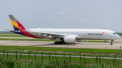 HL8360 - Asiana Airlines Airbus A350-900