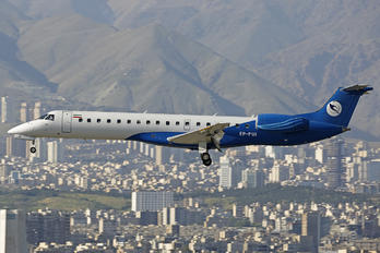 EP-PUI - Pouya Air Embraer ERJ-145