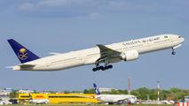Saudi Arabian Boeing 777 visited Warsaw title=
