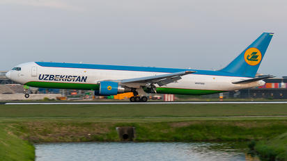 UK67002 - Uzbekistan Airways Boeing 767-300ER