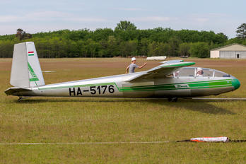 HA-5176 - Private LET L-13 Blaník (all models)