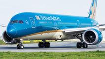 Vietnam Airlines Boeing 787-9 visited Warsaw title=