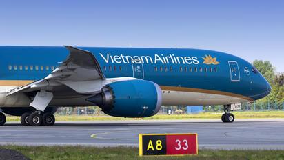 VN-A871 - Vietnam Airlines Boeing 787-9 Dreamliner