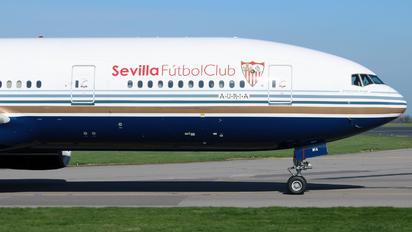 EC-MIA - Privilege Style Boeing 777-200