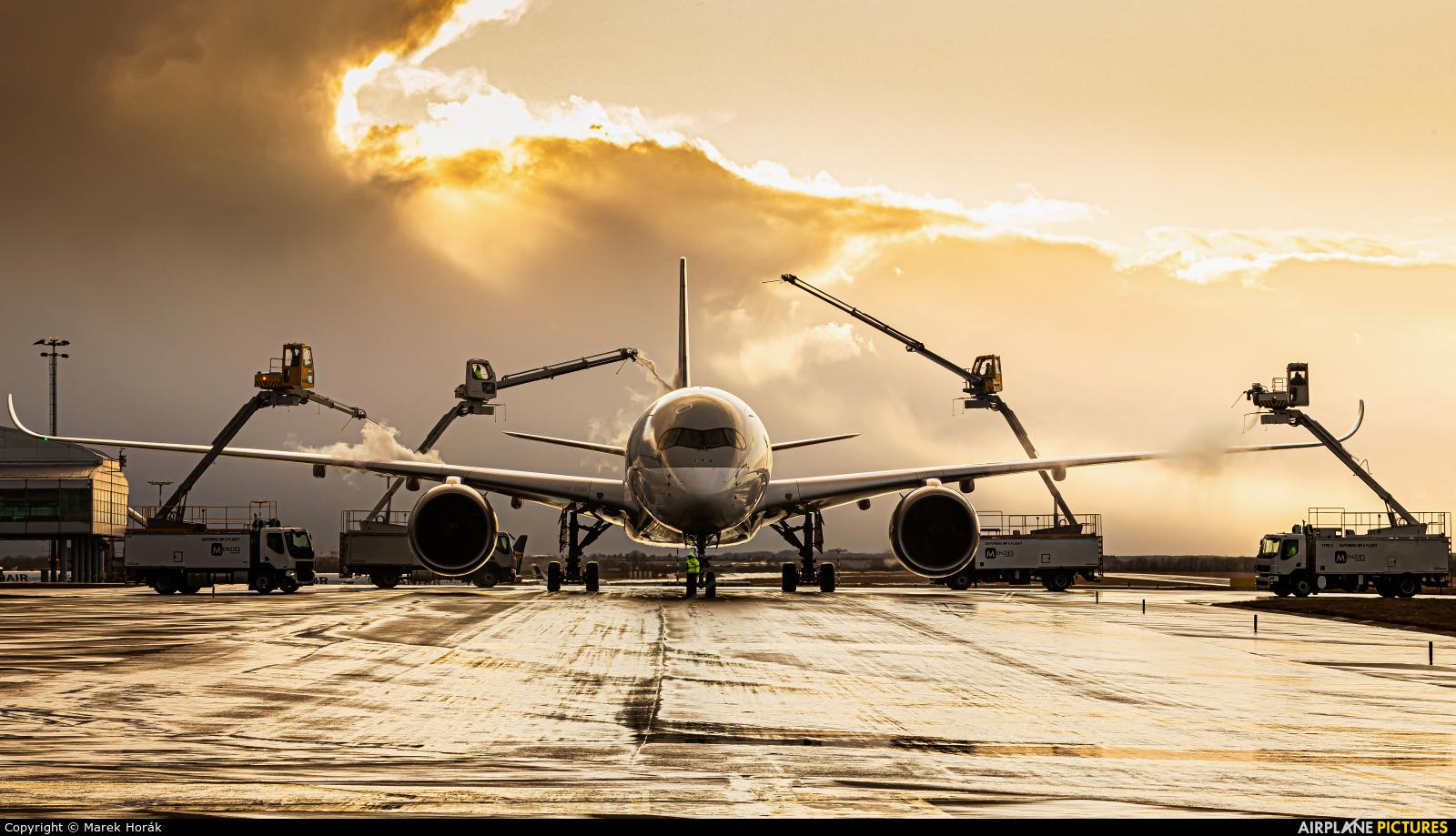 Qatar Airways A7-ALC aircraft at Prague - Václav Havel
