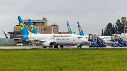 UR-PST - Ukraine International Airlines Boeing 737-8AS