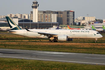 B-LRT - Cathay Pacific Airbus A350-900