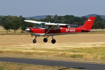 SP-AHA - Private Cessna 150