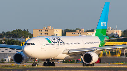 F-HLVL - LEVEL Airbus A330-200