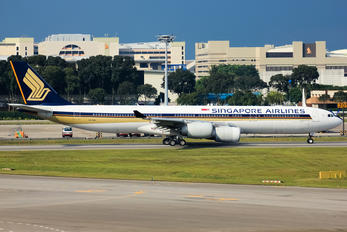 9V-SGA - Singapore Airlines Airbus A340-500