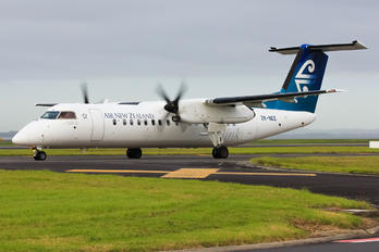 ZK-NEE - Air New Zealand Link - Air Nelson de Havilland Canada DHC-8-300Q Dash 8