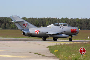 SP-YNZ - Private PZL SBLim-2