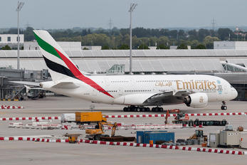 A6-EEN - Emirates Airlines Boeing 777-300ER