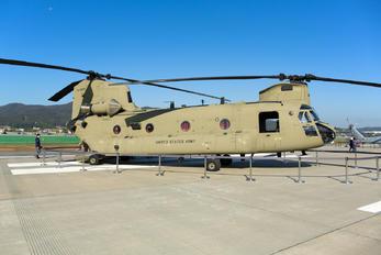16-08215 - USA - Army Boeing CH-47F Chinook