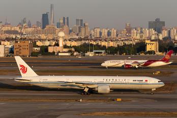 B2089 - Air China Boeing 777-300ER